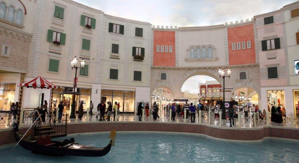 Bulit per assomigliare alla città italiana di Venezia, Villaggio Mall ha oltre 200 negozi - meteoweek.com