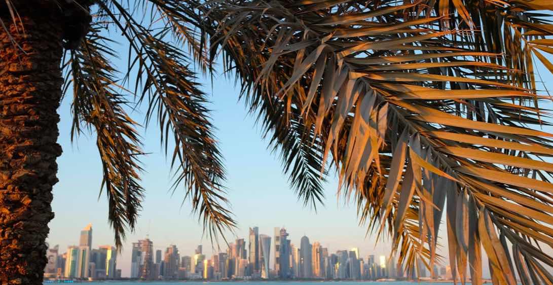 La passeggiata sul lungomare si estende per sette chilometri lungo la baia di Doha - meteoweek.com