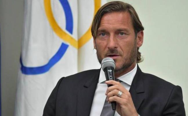 Francesco Totti in conferenza Stampa - meteoweek.com