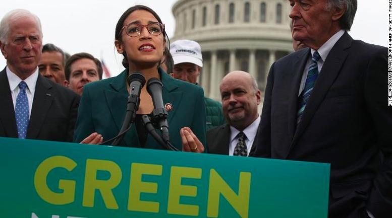 Rep. USA Alexandria Ocasio-Cortez in una conferenza stampa che svela la risoluzione Green New Deal, 7 febbraio 2019 - meteoweek.com