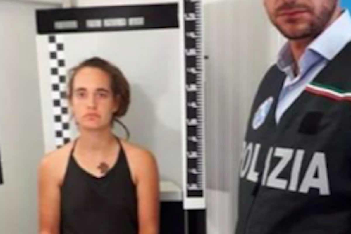 Carola Rackete foto segnalatica al momento dell'arresto - meteoweek.com
