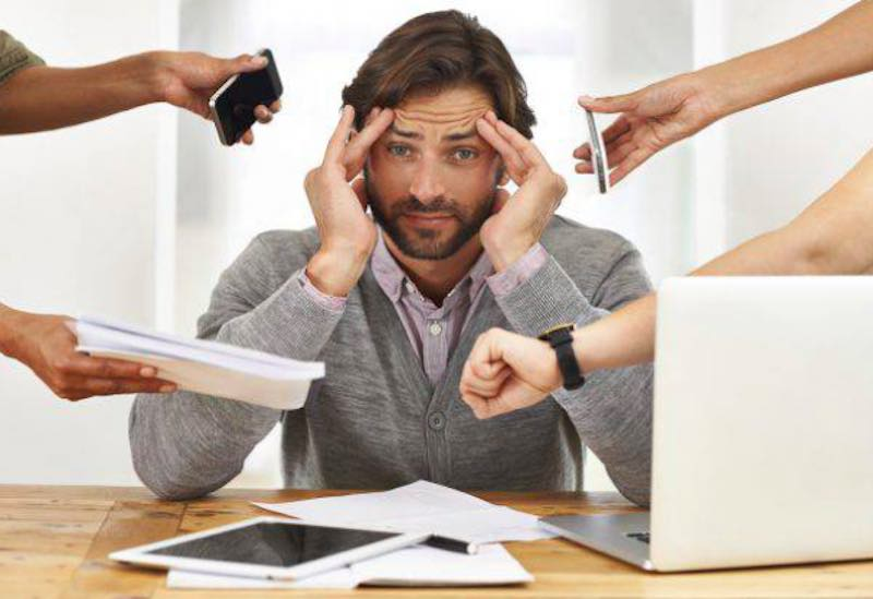 Nove sintomi che dimostrano se una persona è affetta da stress - meteoweek.com