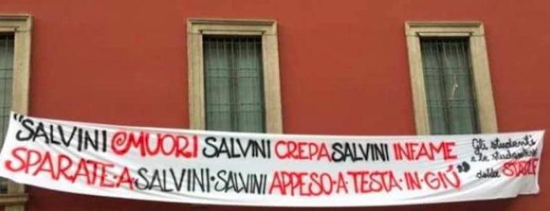 Striscione con minacce a Matteo Salvini - meteoweek.com