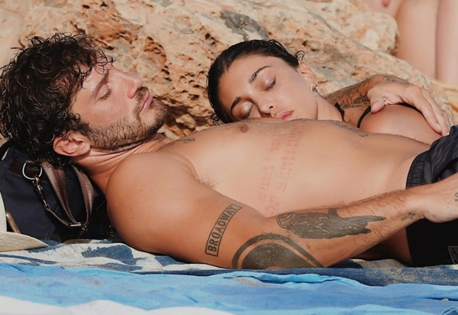 Belen e Stefano in vacanza