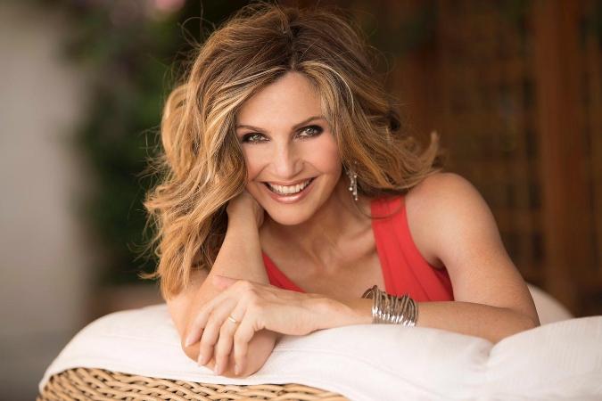 Lorella Cuccarini in abito rosso