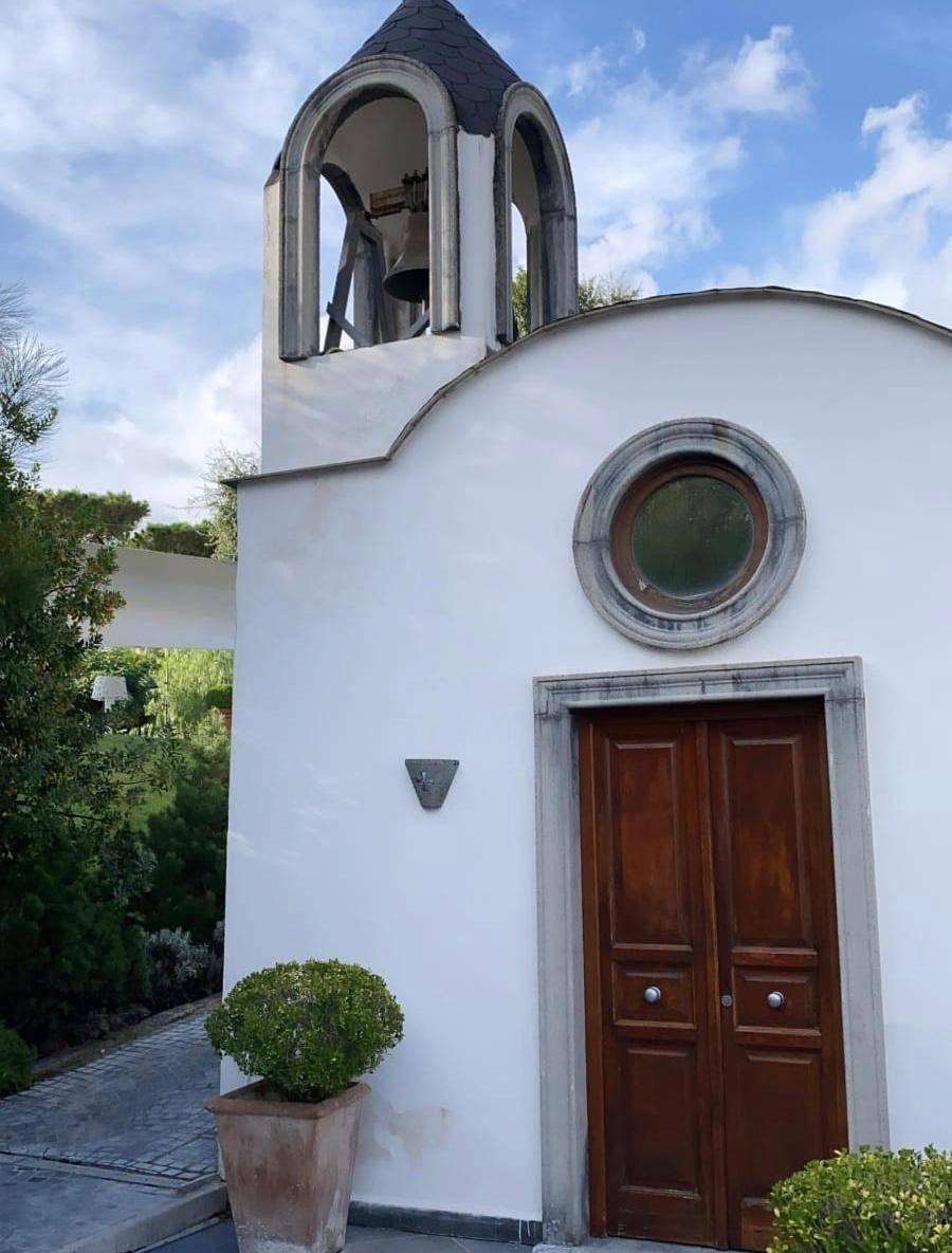 Belen Rodriguez chiesa Napoli   Sposa di nuovo Stefano De Martino   Foto - meteoweek.com