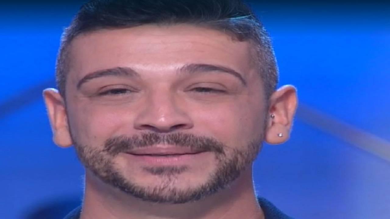 Canta i Maneskin con il linguaggio dei segni   Sara a Sanremo   Video - meteoweek.com