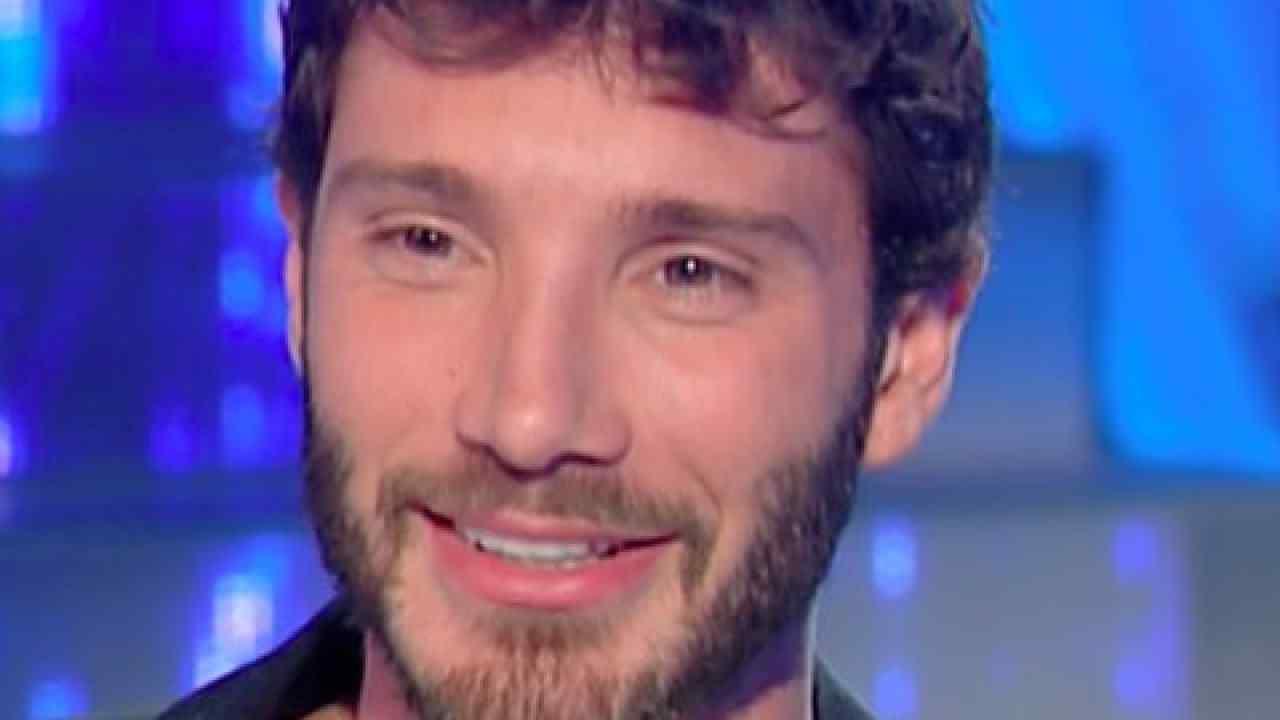 Stefano De Martino rivalità con Belen | Al Festival senza di lei | Video - meteoweek