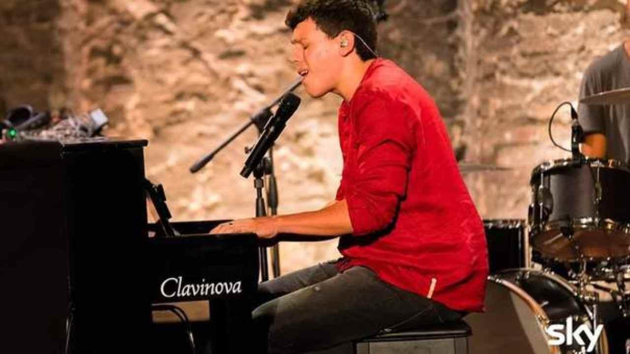 Davide Rossi chi e | X Factor | la vita privata del cantante - meteoweek