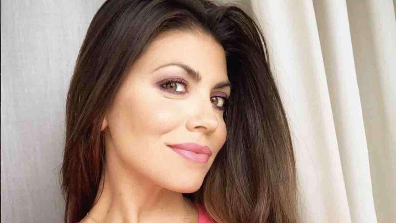 Flora Canto chi e | carriera | vita privata della showgirl - meteoweek