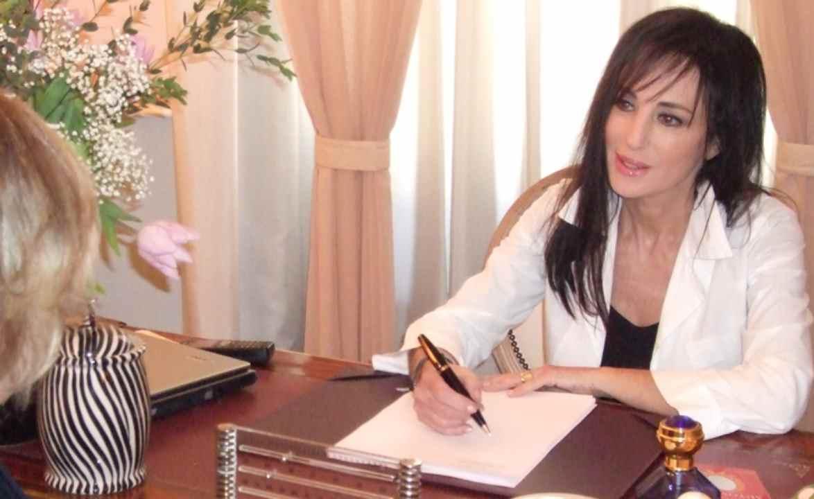 Anadela Serra Visconti chi è   carriera e vita privata del medico - meteoweek