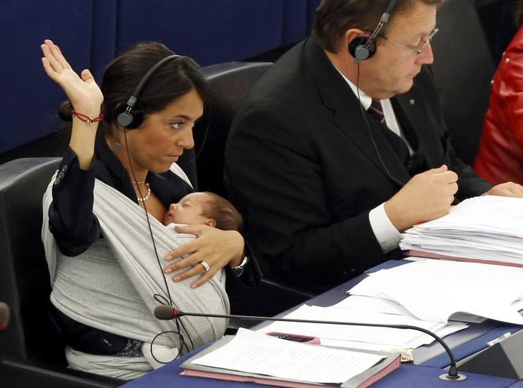 Licia Ronzulli chi è | carriera e vita privata della politica - meteoweek