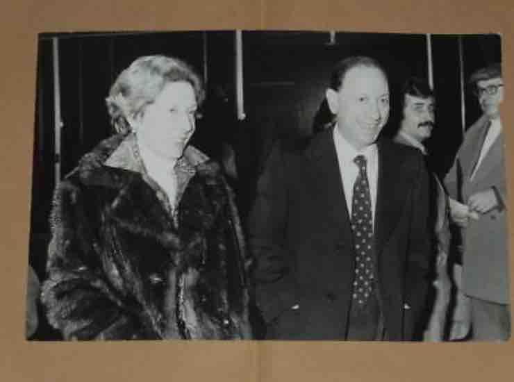 Renato Carosone con la moglie chi era - meteoweek