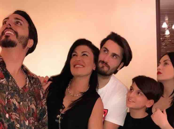 Tina Rispoli con la famiglia chi è - meteoweek