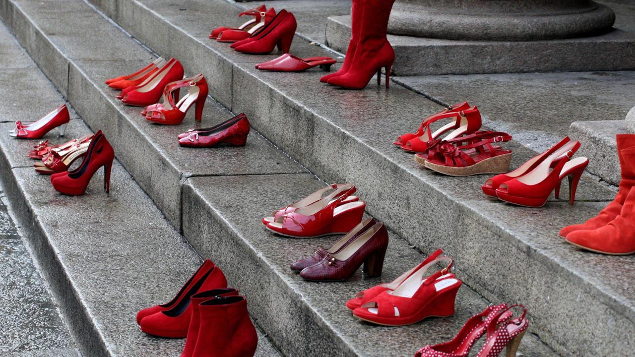 violenza sulle donne scarpe
