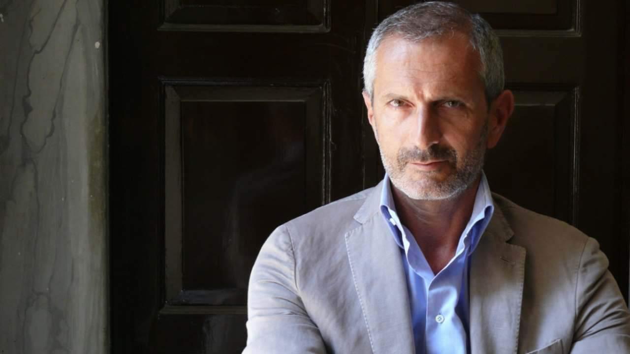 Gianrico Carofiglio chi è | carriera e vita privata dello scrittore - meteoweek