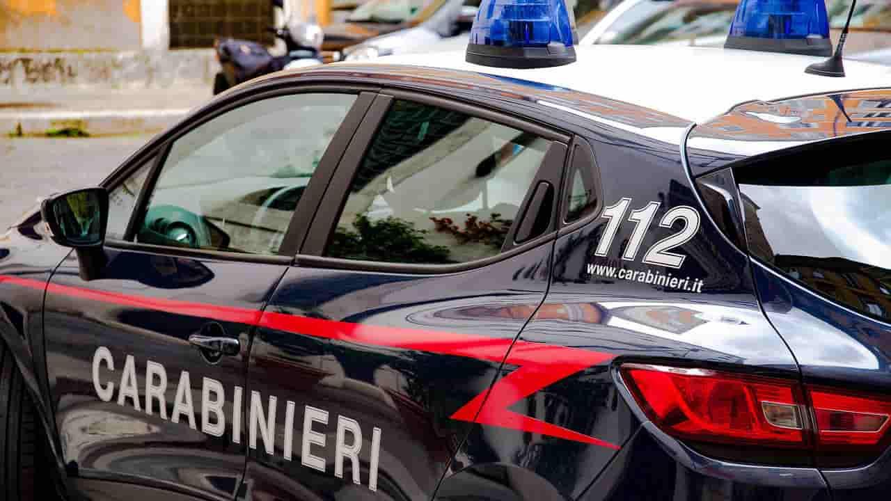 Posto di blocco carabinieri: mamma con due bambini tenta la fuga - meteoweek