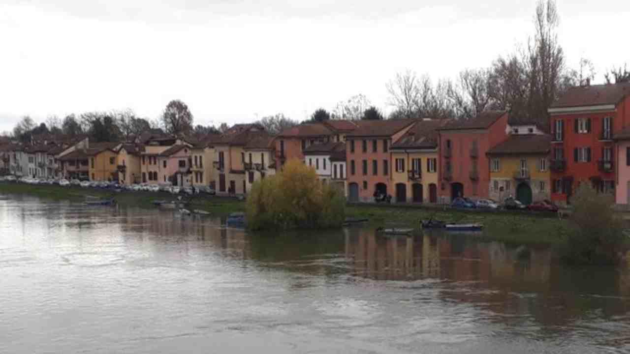 Il Ticino rompe gli argini, allagato nella notte il Borgo. Il fiume continua a crescere - meteoweek