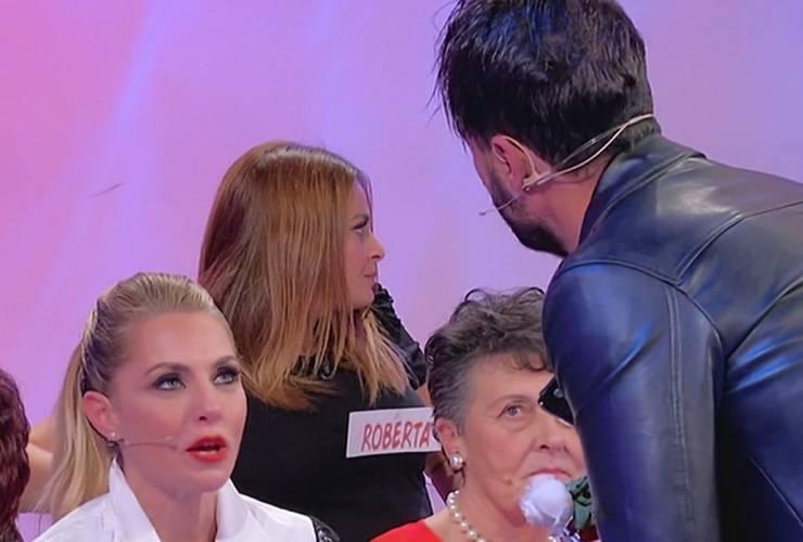 Armando e Veronica sotto attacco