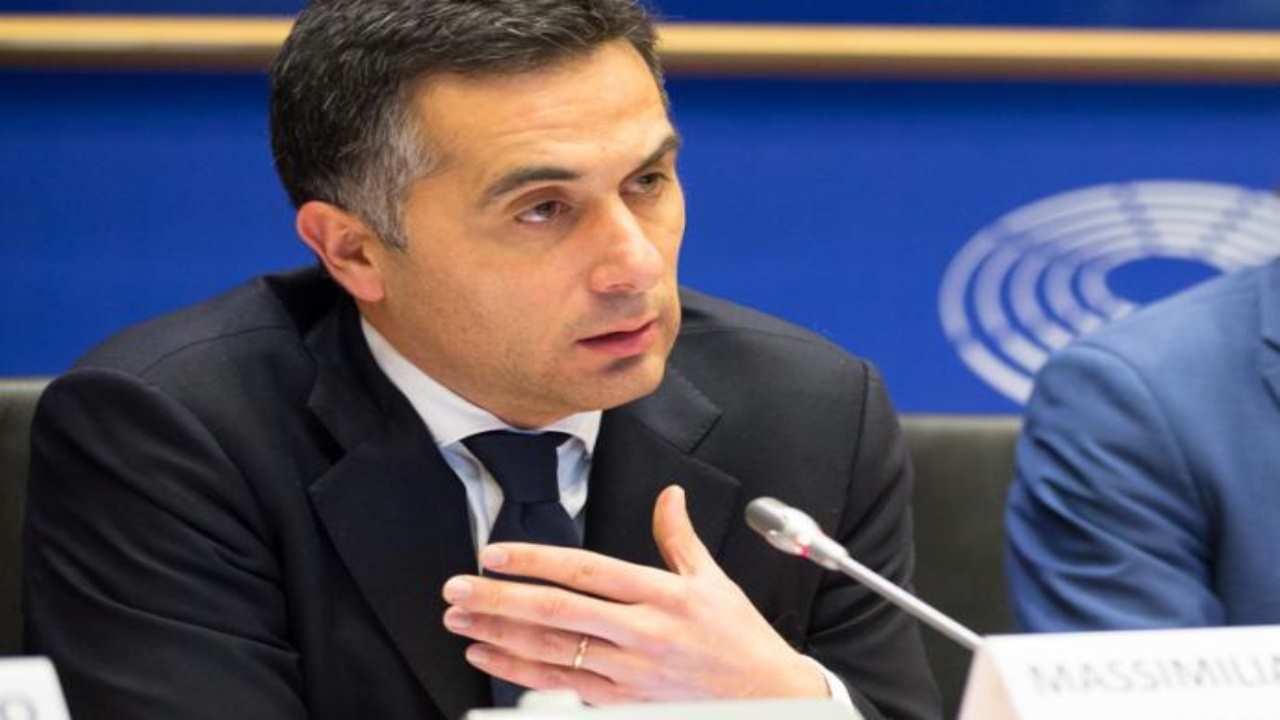 Massimiliano Salini chi è | carriera e vita privata del politico - meteoweek