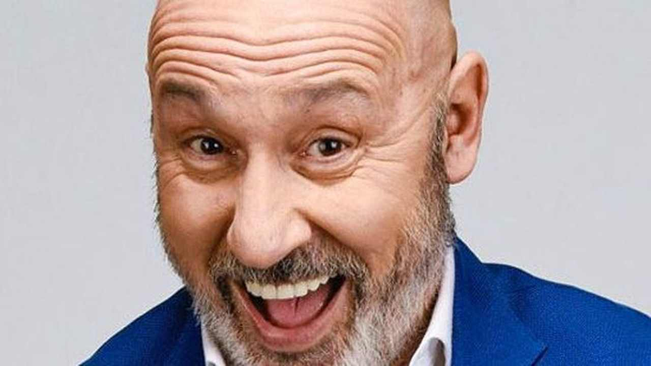 Maurizio Battista chi è | carriera e vita privata dell'attore comico - meteoweek