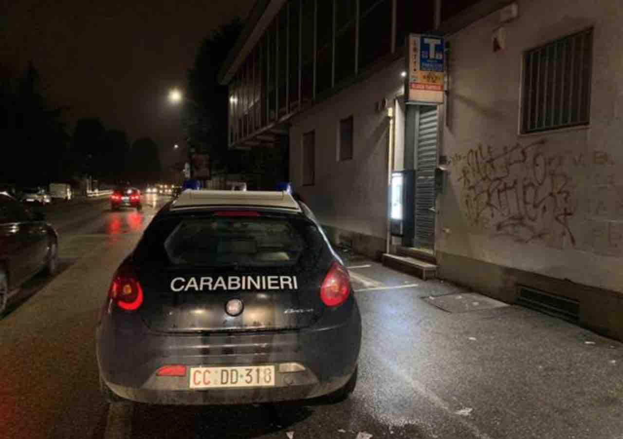 rapina e sparatoria a Varese