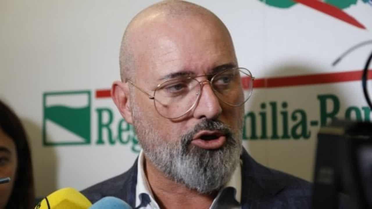 """""""Parlateci di Bibbiano"""", nel comune degli scandali Bonaccini"""