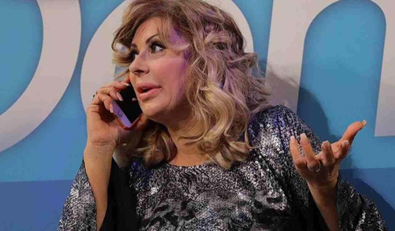 Tina Cipollari chiama Alessandro Zarino