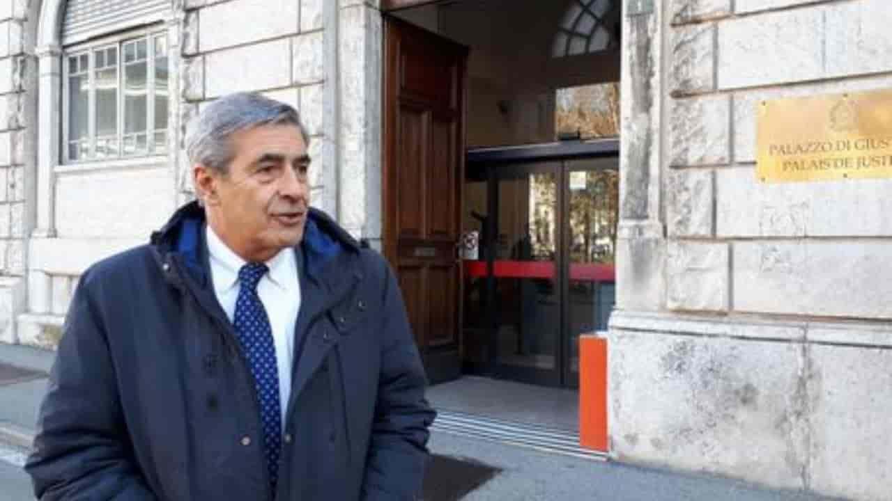 Valle d'Aosta si dimette Antonio Fosson