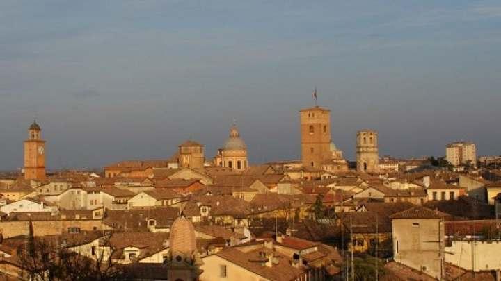 Meteo Reggio Emilia oggi lunedì 20 gennaio: cieli poco nuvol