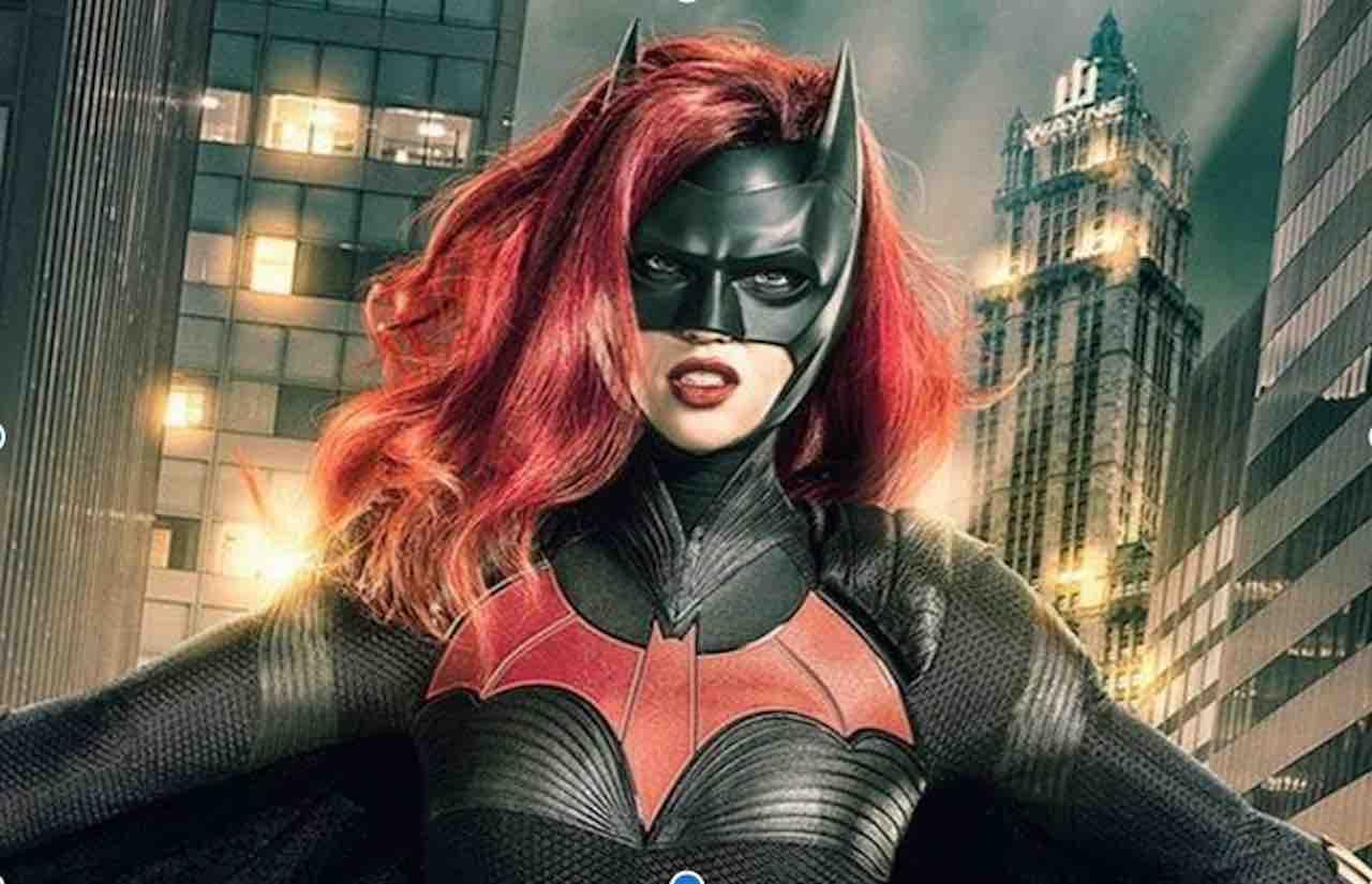 Batwoman fa coming out e svela a Gotham il suo grande segret