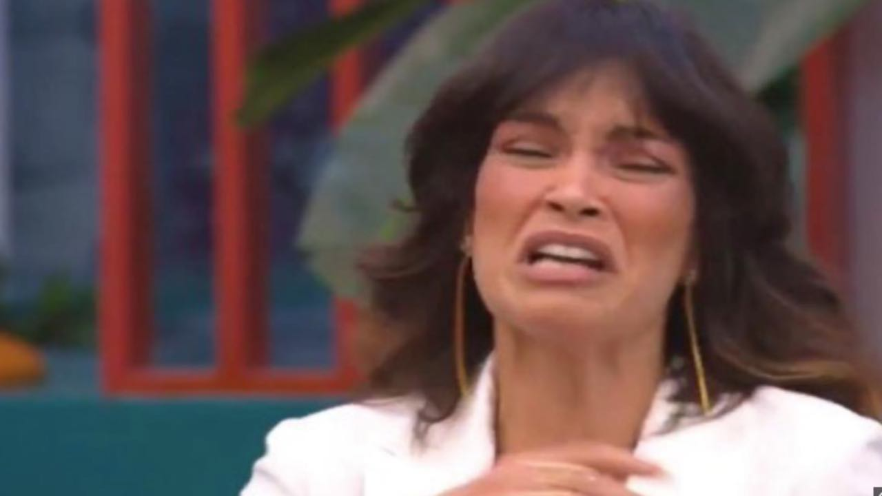 Fernanda Lessa disperata