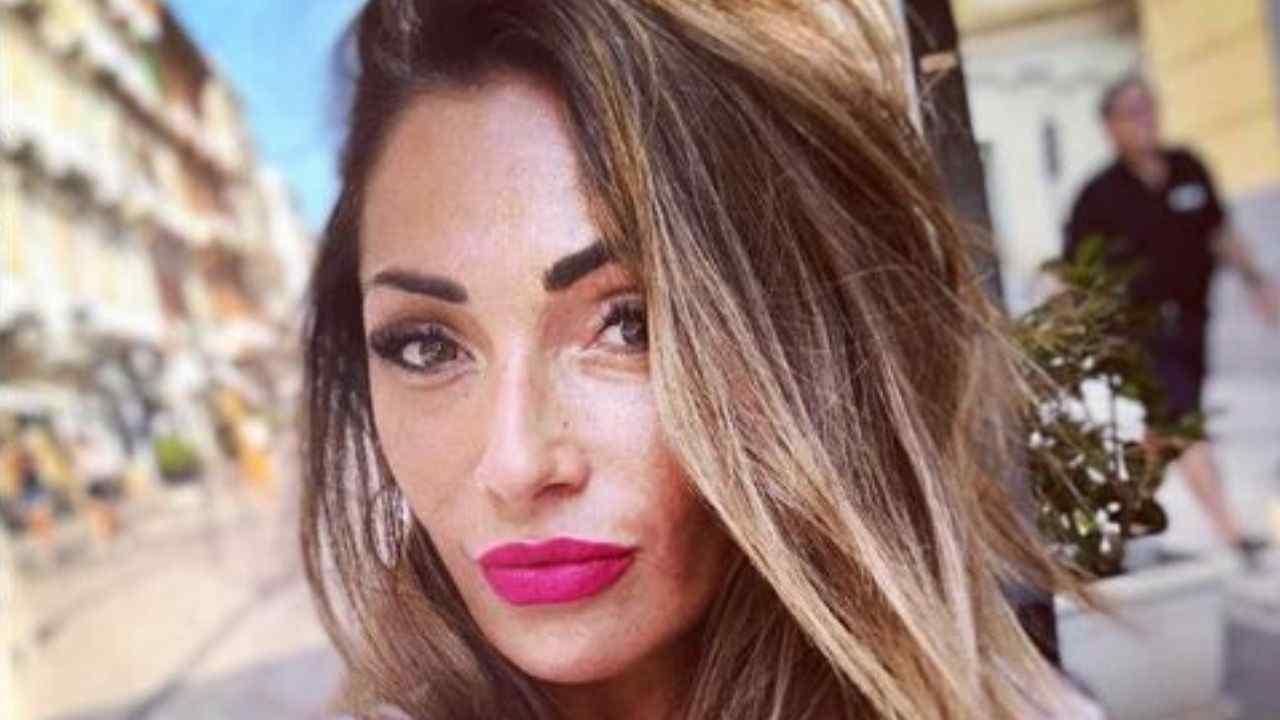 Ida Platano irriconoscibile: cambia look e lascia tutti senza parole [FOTO]