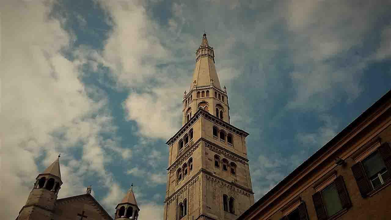 Meteo Modena domani lunedì 20 gennaio: nubi sparse