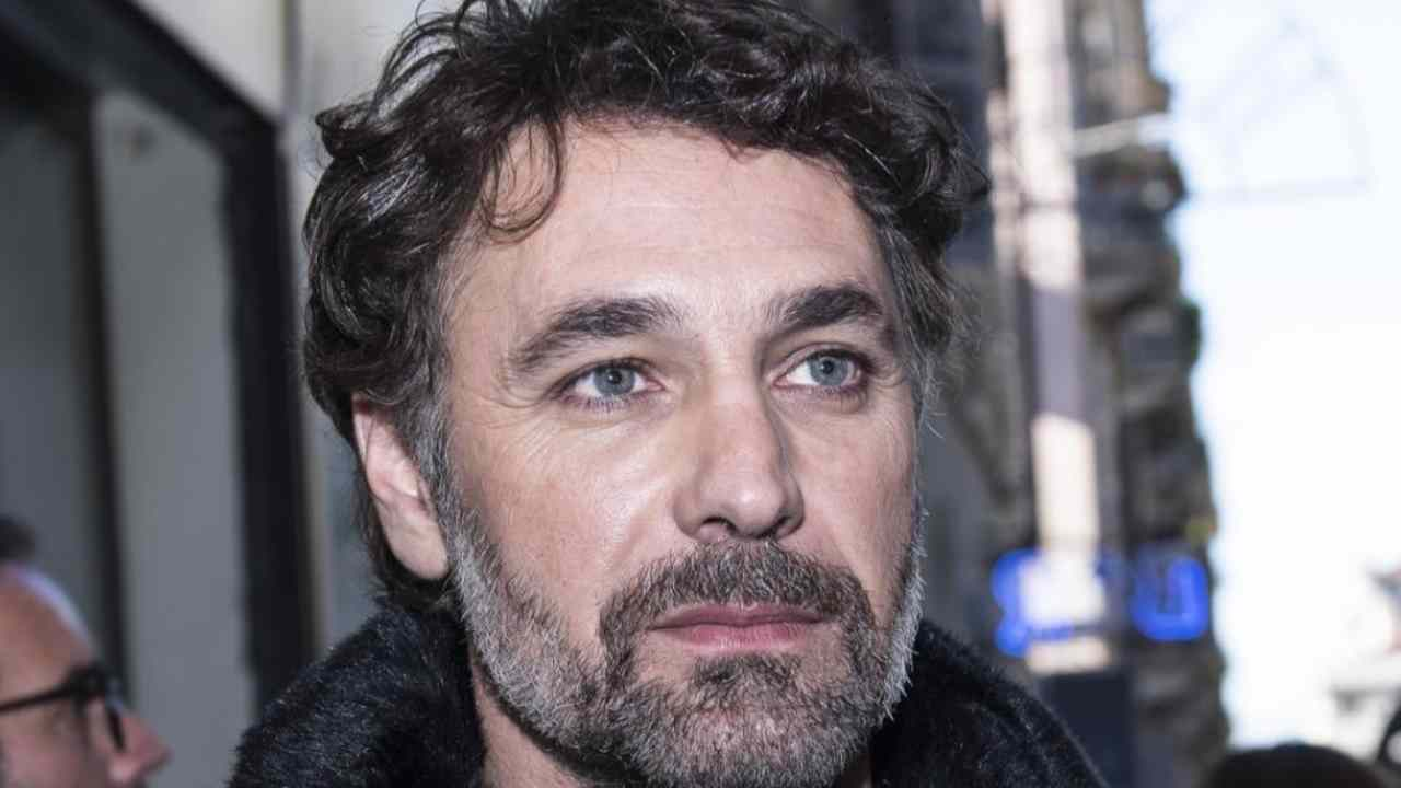 Raul Bova chi è   carriera e vita privata del famoso attore italiano - meteoweek