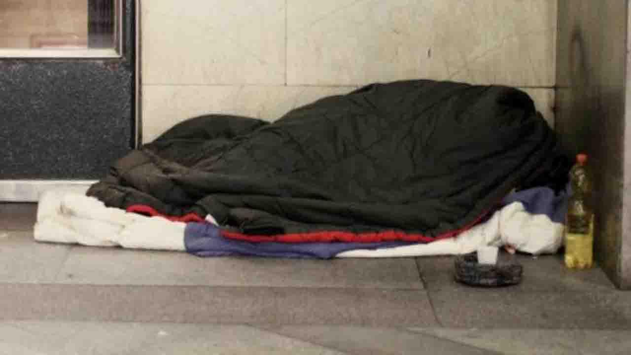 Novara: uomo trovato morto su un panchina, non era un clocha