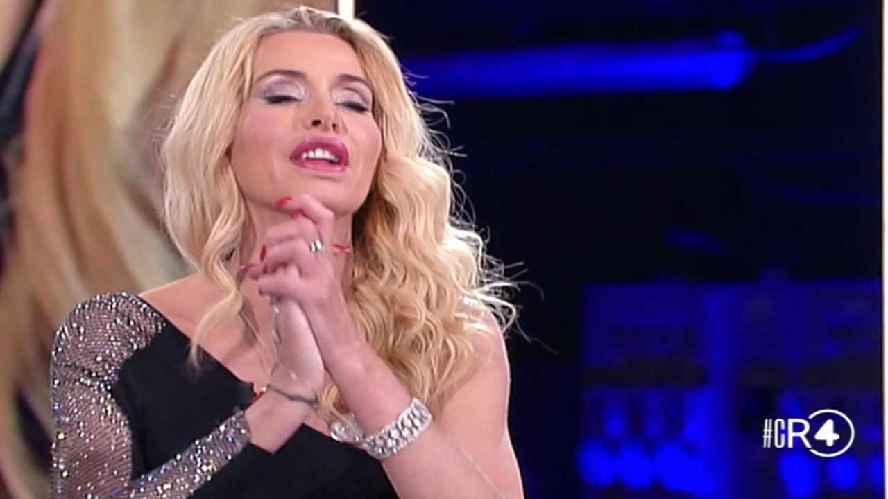 Valeria Marini chi è | carriera e vita privata della showgirl e attrice - meteoweek