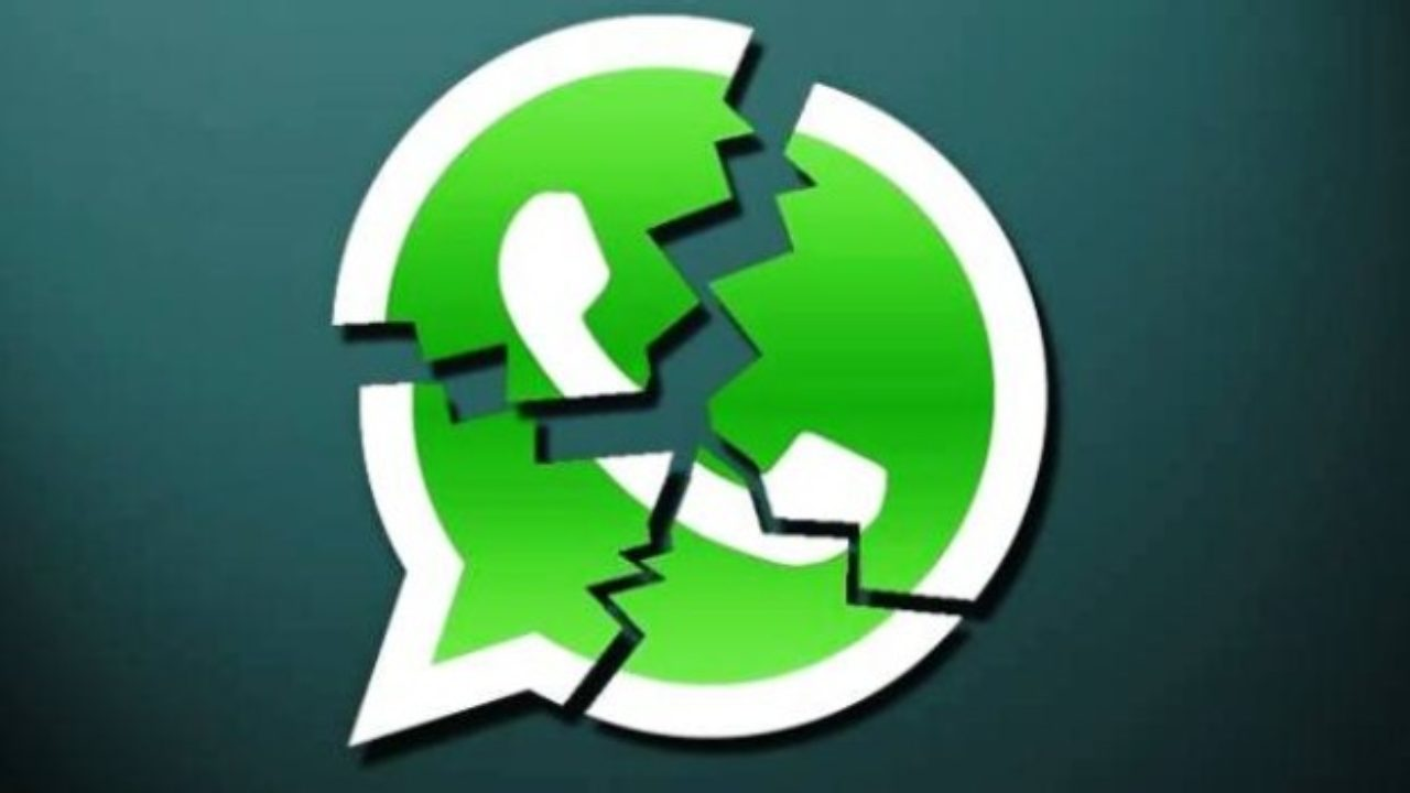 Whatsapp down: niente vocali, foto e video. Problemi di serv