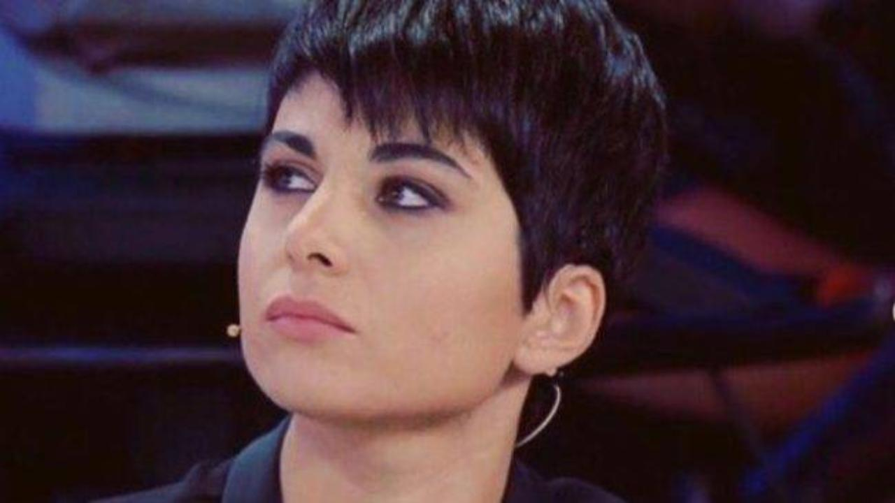 Giordana Angi non è pronta per Sanremo 2020 | Il messaggio di un prof di Amici 19