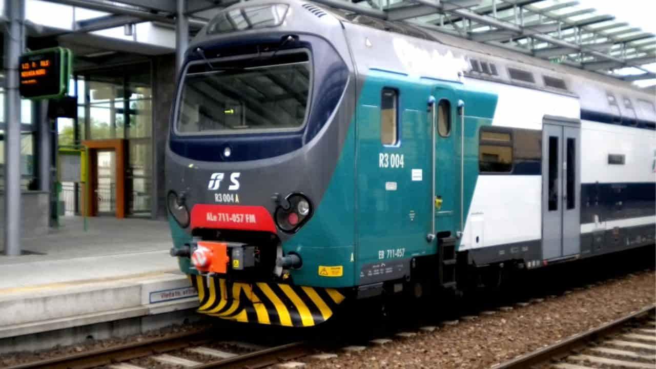 Sbaglia fermata e sale sul treno in corsa | Ritrovato il cad