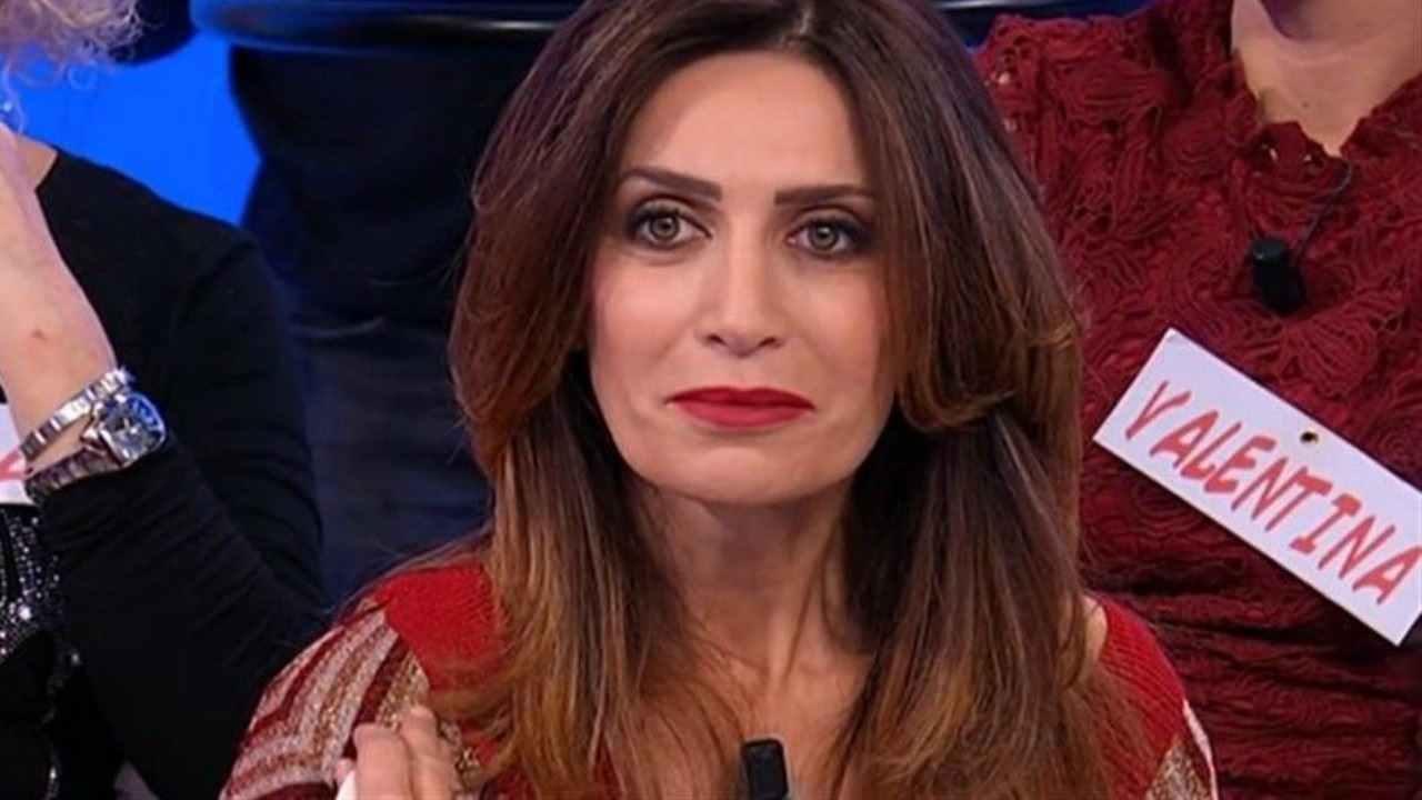 Barbara De Santi si mette ai voti | Il sondaggio a Uomini e