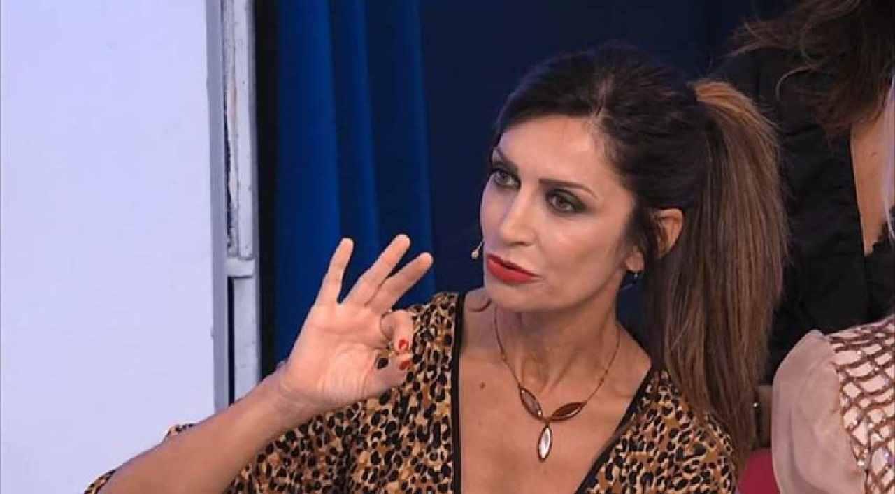 Barbara De Santi messa all'angolo
