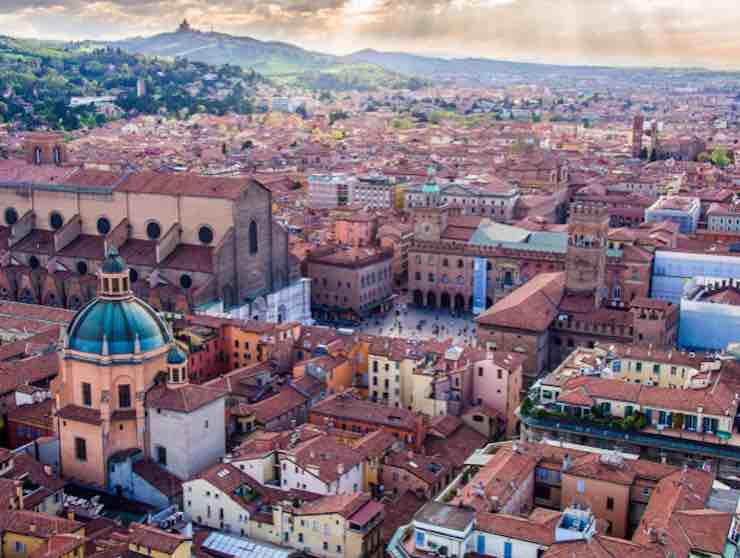 Meteo Bologna domani mercoledì 19 febbraio: cieli coperti