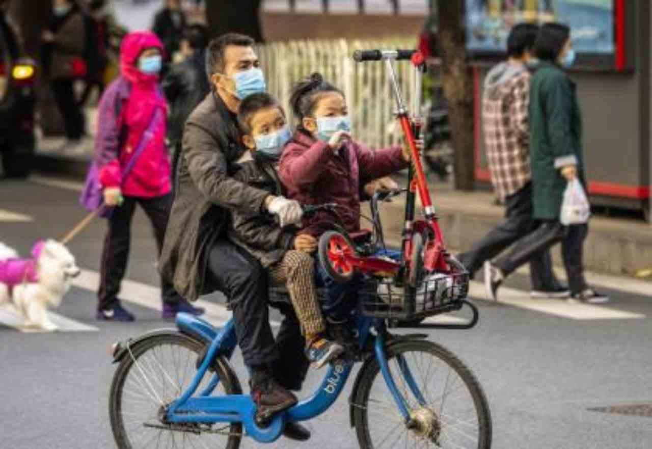 Coronavirus. In Cina altri 150 morti e 409 nuovi casi ma si