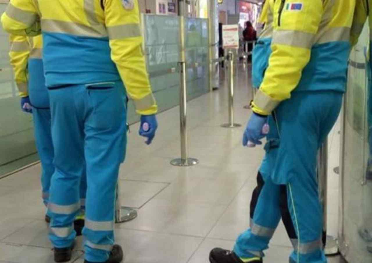 Bus di italiani bloccato a Lione: l'autista ha sintomi coron