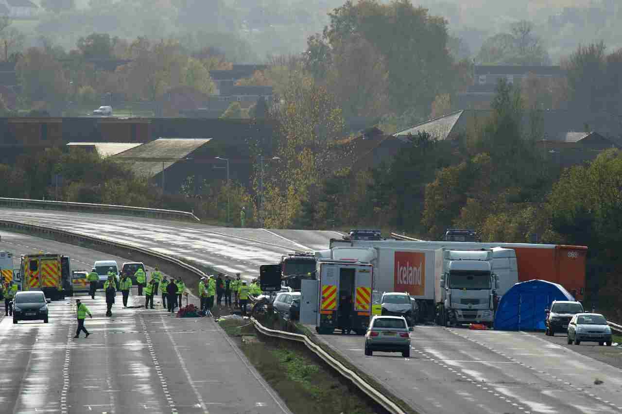 Incendio sull'autostrada A4: un tir è andato in fiamme