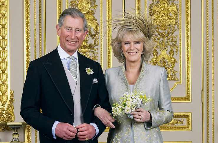 Coronavirus, Principe Carlo positivo: trema Buckingham Palace