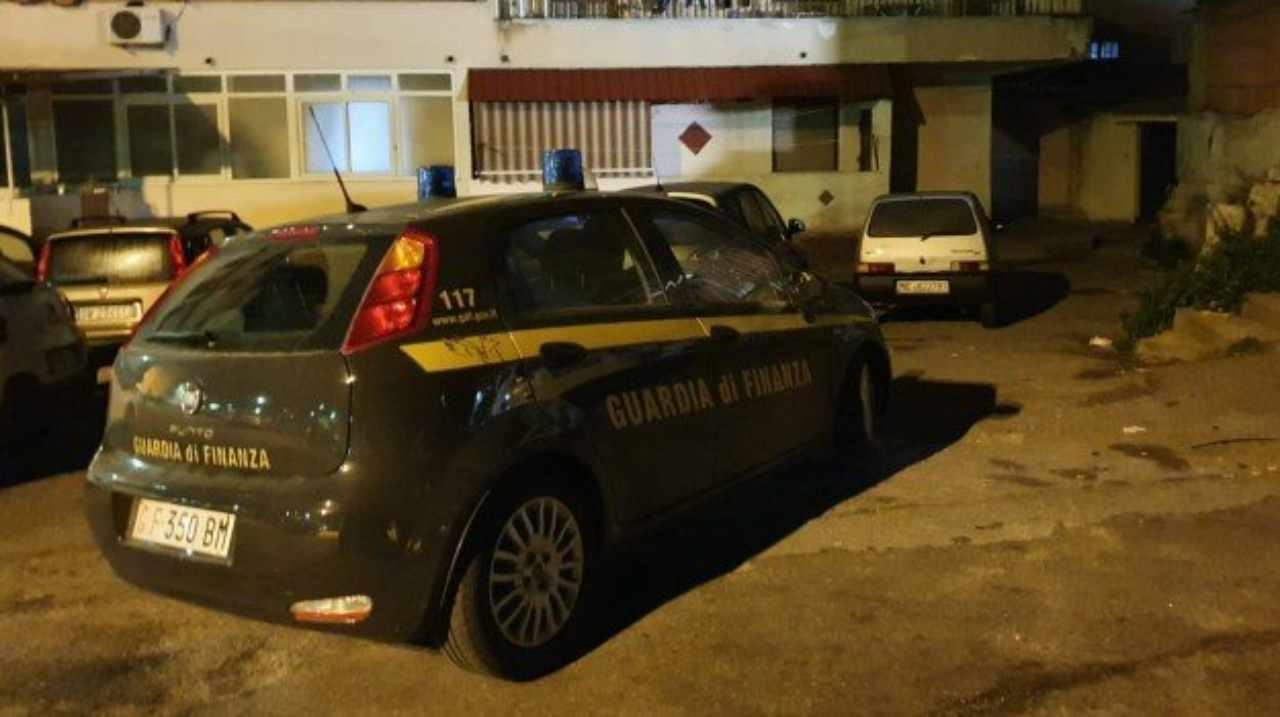 Narcotrafficanti gestivano le piazze di Sicilia e Calabria: