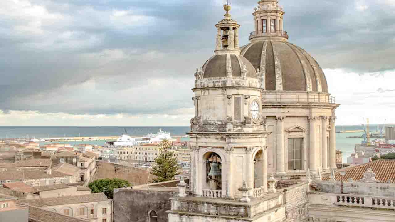 Meteo Catania domani lunedì 24 febbraio: cieli sereni