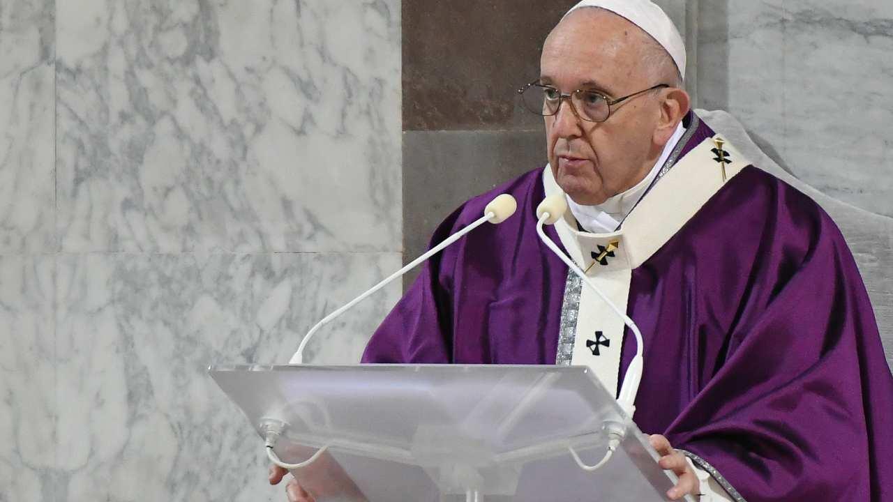 """Papa Francesco:""""Diffidenza tra preti a causa degli scandali"""""""
